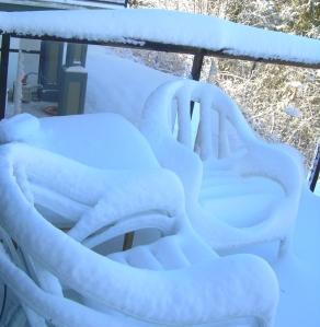 snow-fall-feb-09-patio-2