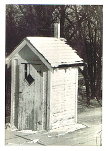 Outhouse - Win Wachsmann ©